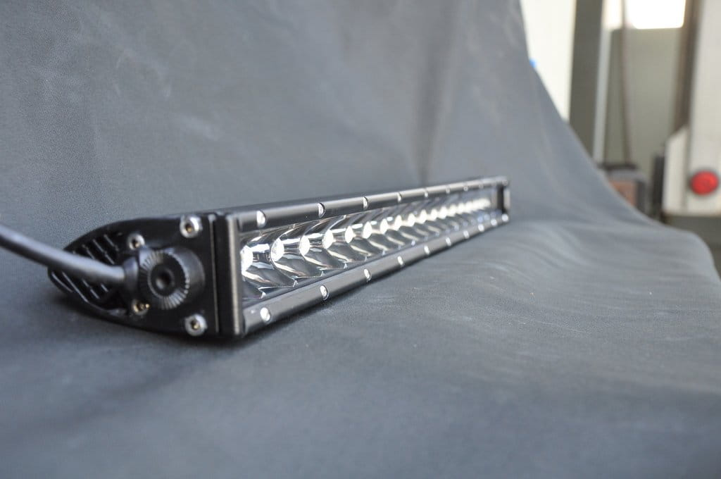 "SLIM 20"" Light Bar 100W Spot 5W CREE LED Black"